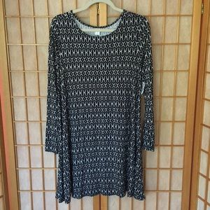 OLD NAVY LONG SLEEVE PULL OVER DRESS